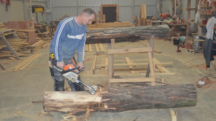 Obróbka drewna robinii